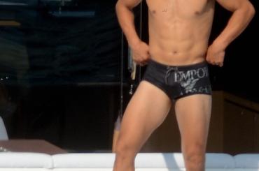 Rafael Nadal bagnato e in mutande in barca – le foto