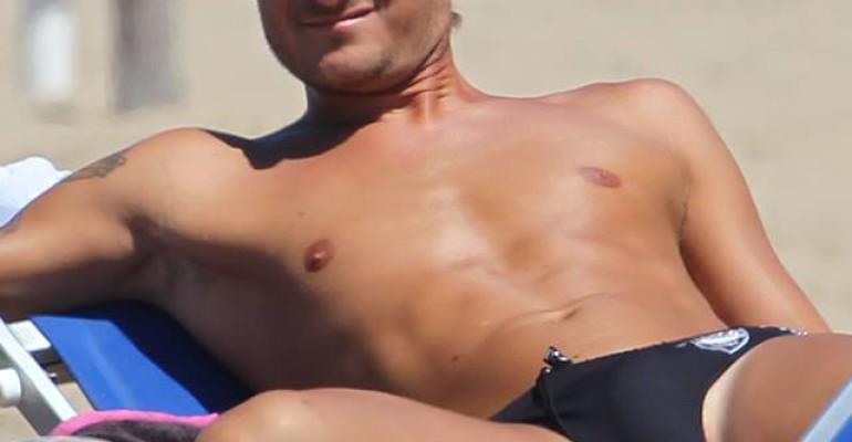 Francesco Totti e il pacco TUTTO depilato