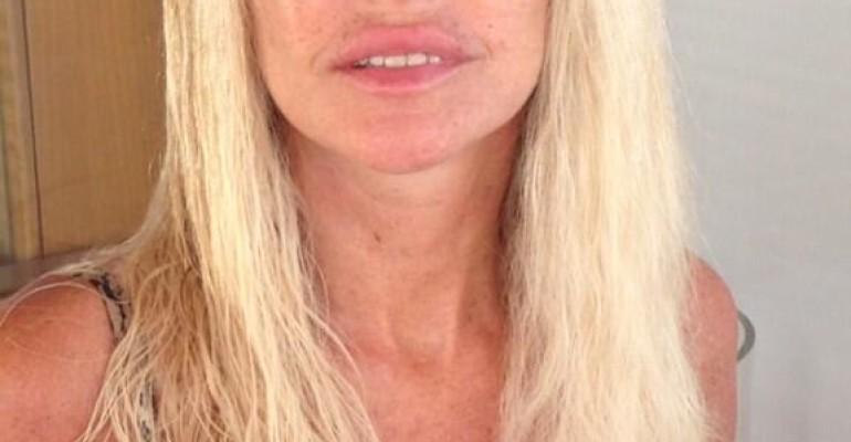 Paola Ferrari struccata e al NATURALE su TWITTER – la foto scult