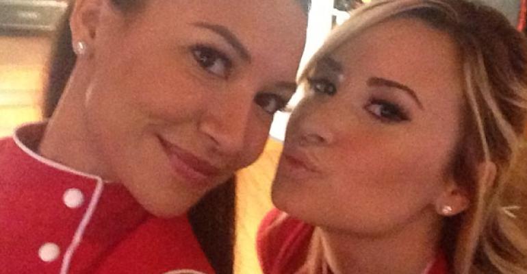 Glee 5: relazione lesbo tra Naya Rivera e Demi Lovato – prima foto
