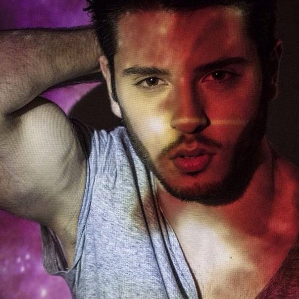 rosso vip maschile gay caserta