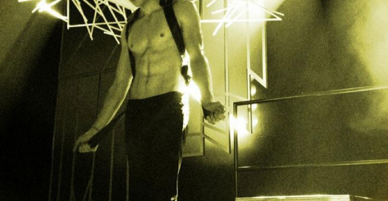 Glee 5 – Chord Overstreet mostra i muscoli per APPLAUSE di Lady Gaga