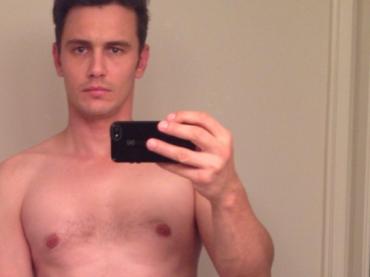 James Franco sbarbato, ringiovanito e mezzo nudo su Instagram