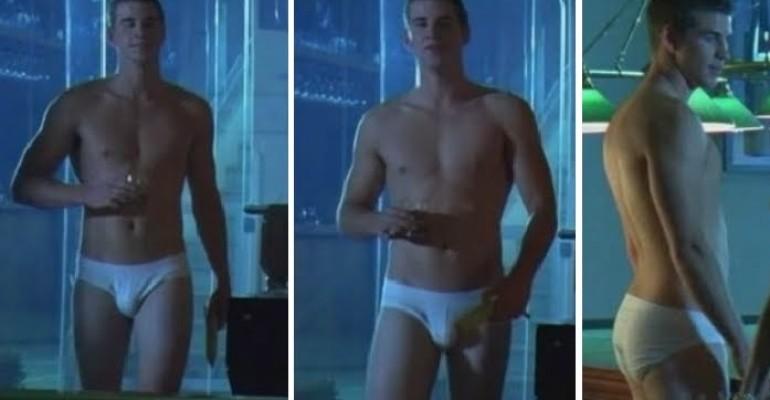 Liam Hemsworth e la banana in mutande – foto  e video