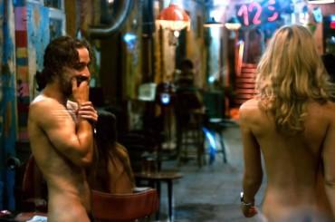 SHIA LaBEOUF nudo in Charlie Countryman – le foto