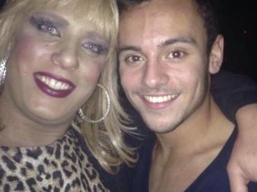 Tom Daley in un locale gay