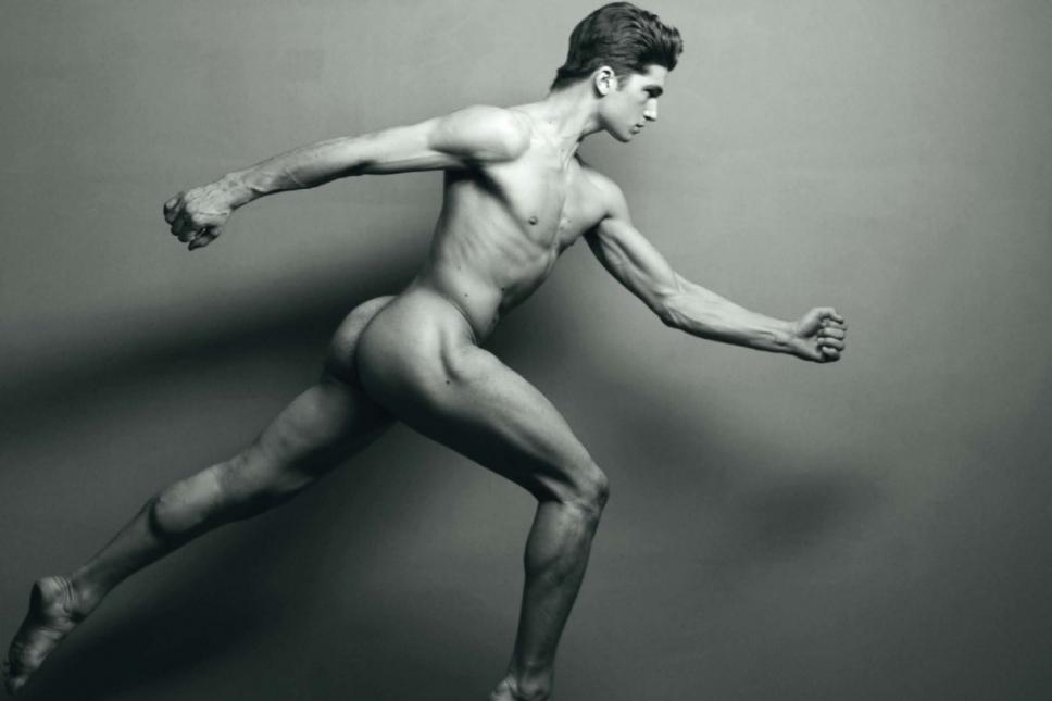 Matteo Guarise nudo