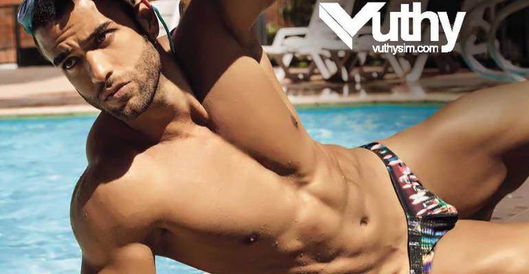Juan Esteban in costume per Vuthy Swimwear 2014