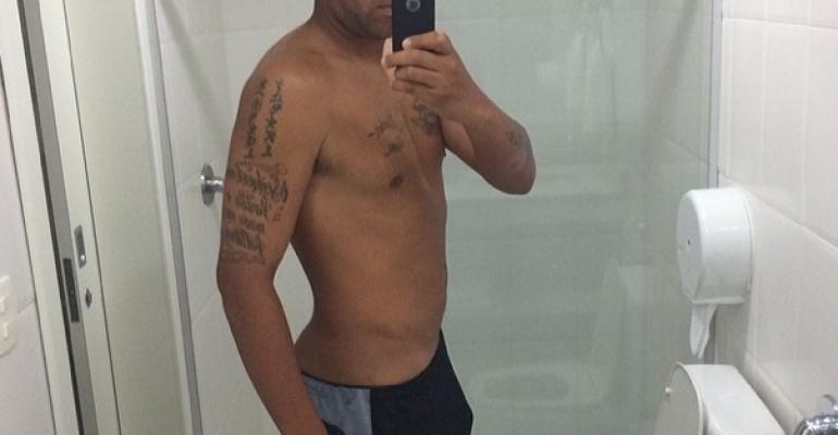 Adriano perde peso (e spicca di pacco)