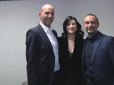 C'è Posta per Te gay con Laura Pausini – puntata epocale su Canale 5