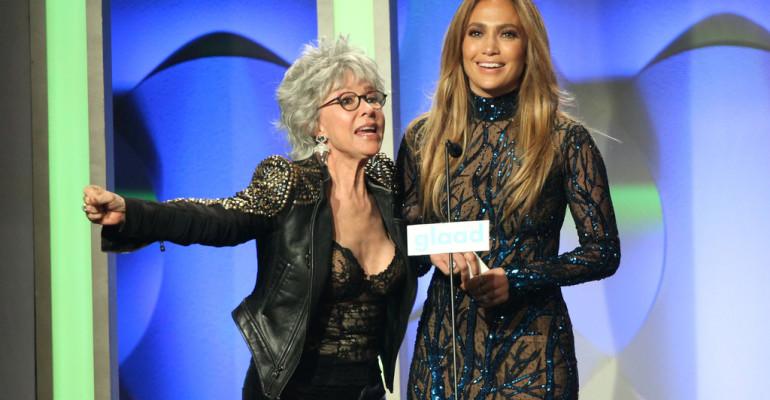GLAAD Media Awards 2014 – premiata Jennifer Lopez (che bacia Rita Moreno) – tutti i vincitori