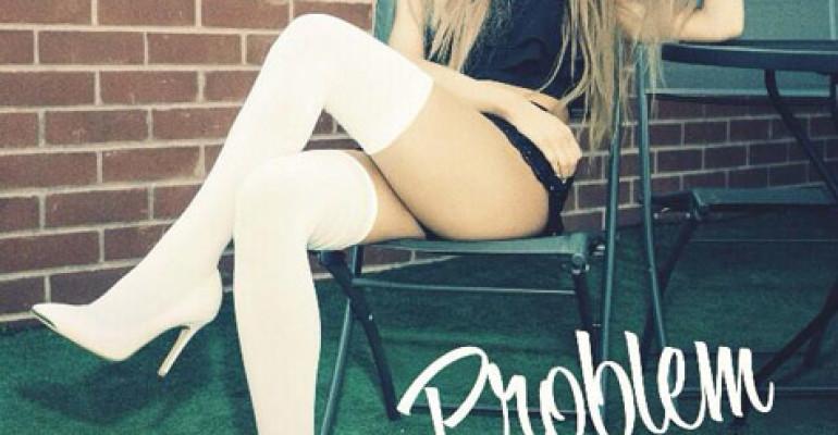 Ariana Grande ft. Iggy Azalea fa boom con 'Problem'