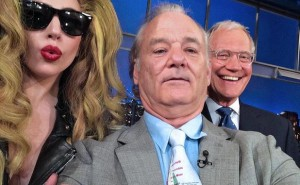 showbiz-bill-murray-lady-gaga-david-letterman-selfie