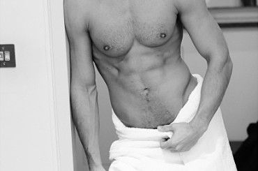 Towel Series  – Mario Testino spoglia Gaspard Ulliel e David Gandy
