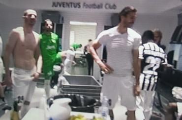 Juventus Campione d'Italia – la festa negli spogliatoi (video e foto)
