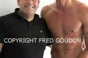 Olivier Giroud mezzo nudo e con pube depilato