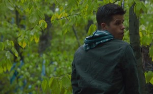 The Leftovers 1x07 - Max Carver mostra le chiappe