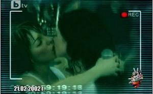 t_a_t_u__bulgaria_kiss_gif_by_professional_skipper-d5mh1np