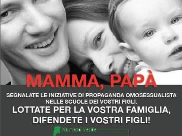 Forza Nuova attacca le scuole di Milano: 'genitori segnalate la propaganda gay'