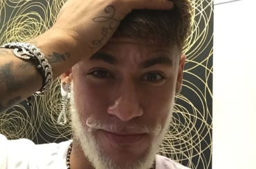 Barba biondo platino per NEYMAR – foto e video