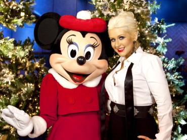 Christina Aguilera litiga con TOPOLINO a Disneyland – 'a stronzo, ma lo sai chi sono io?'