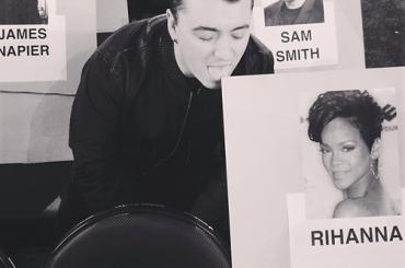 Grammy 2015, Sam Smith lecca Rihanna – foto
