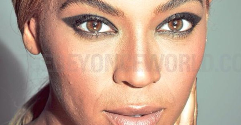 Beyonce per l'Oreal – le foto senza photoshop: furia dei fan on line