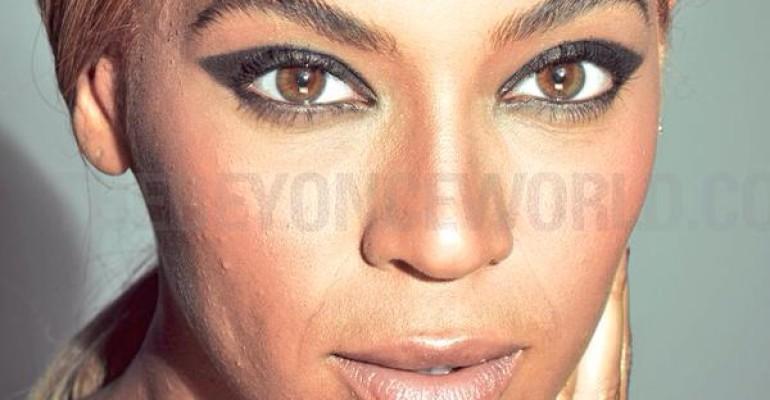 Beyonce per l'Oreal – le foto senza photoshop: furia dei fan on line
