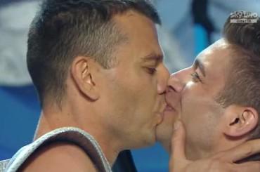 Italia's Got Talent: proposta di matrimonio gay in DIRETTA tv – foto e video