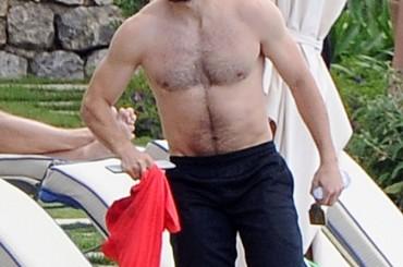 Jake Gyllenhaal, vacanze da bono in Italia (con la fidanzata Greta Caruso)