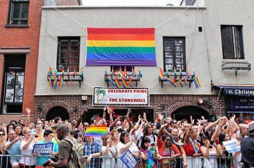Stonewall, 49 anni fa nasceva l'orgoglio LGBT