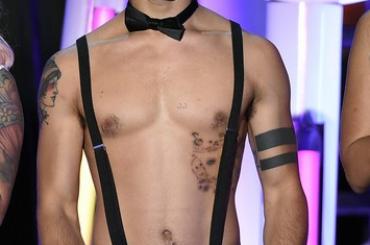 MTV Fandom Awards  2015,  Tyler Posey si spoglia sul palco