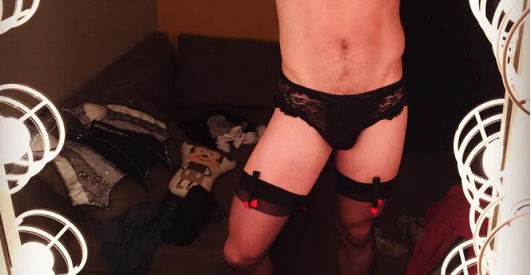 Bent: Jake Shears, lingerie sexy su Instagram nei panni di Greta