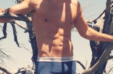Luke Casey, il 20enne rugbista australiano tutto ignudo e con la ciolla al vento