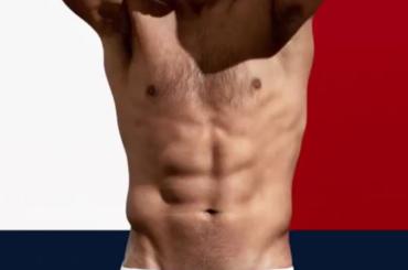 Rafael Nadal si spoglia per Tommy Hilfiger  – il video spot + foto