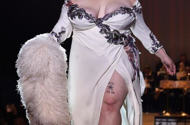 New York Fashion Week, Beth Ditto sfila per Marc Jacobs – foto