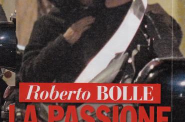 Roberto Bolle, arriva l'outing su CHI – baci gay in copertina con il chirurgo Antonio Spagnolo