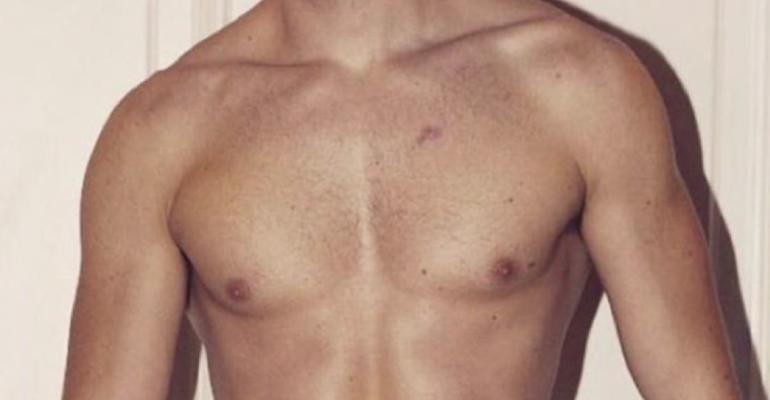 Russell Tovey fisicato su Instagram