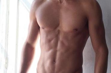 Alessio Pozzi, pacco Instagram per il modello italiano