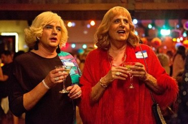 Transparent, sì alla 3° stagione – per la seconda arrivano Anjelica Huston e Cherry Jones