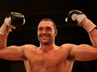 Tyson Fury, il nuovo campione dei pesi massimi è un conclamato omofobo (e il Ministro dello sport inglese evita le congratulazioni)