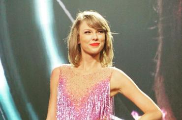 Taylor Swift REGINA di bontà per il 4° anno consecutivo – la Top20