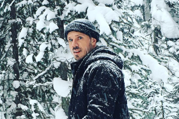 Jake Shears, buon anno con culo all'aria su Instagram – la foto