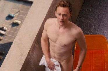 "Tom Hiddleston nudo in ""High Rise"", finalmente il full frontal – gif"