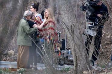Miley Cyrus sul set della prima serie tv di WOODY ALLEN – foto