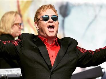 Elton John replica alle accuse di molestie ma Stefano Gabbana lo attacca senza vergogna