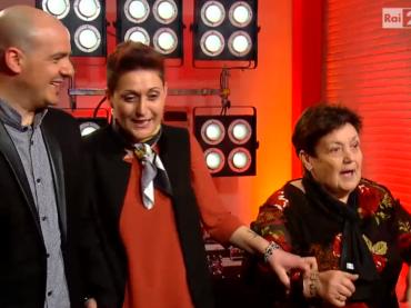 The Voice of Italy, nonna a Raffaella Carrà: BASTARDA – è blasfemia – video