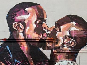 Kanye West bacia Kanye West – al rapper non piace l'opera d'arte di Scott Marsh