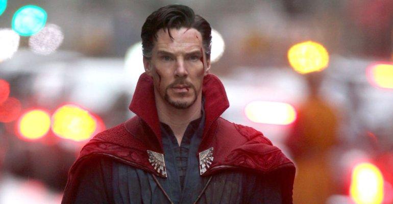 Benedict Cumberbatch è Doctor Strange, il primo poster