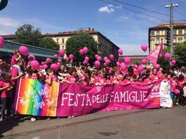 Festa delle Famiglie, Milano invasa dalle Famiglie Arcobaleno – il discorso di Pierfrancesco Majorino